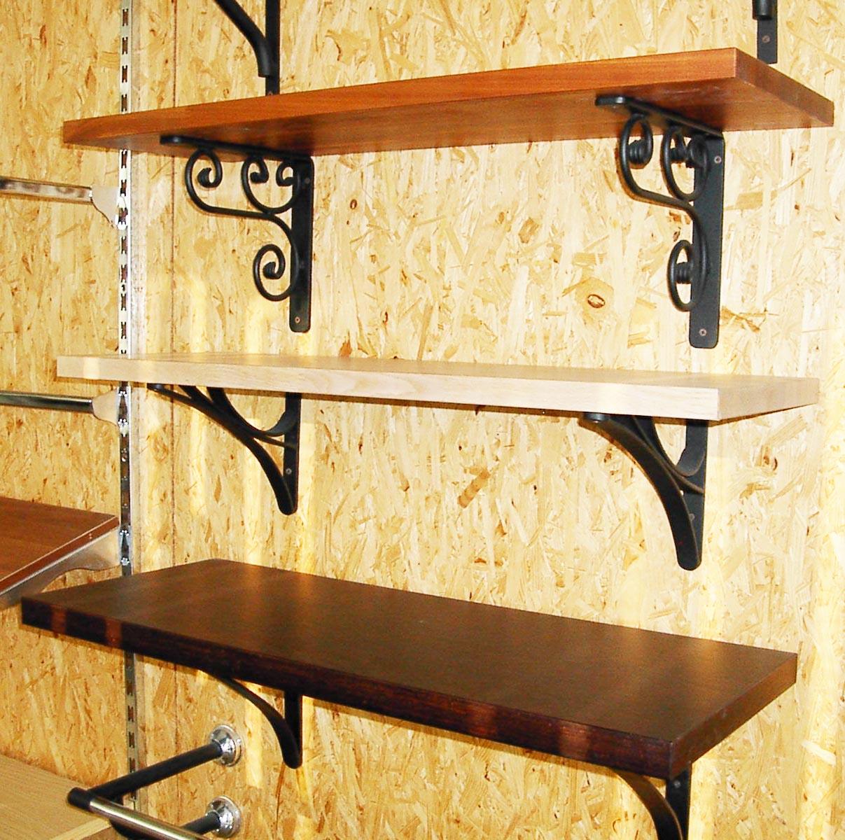 Produzione scaffali e scaffalature per arredamento locali for Mensole in ferro battuto