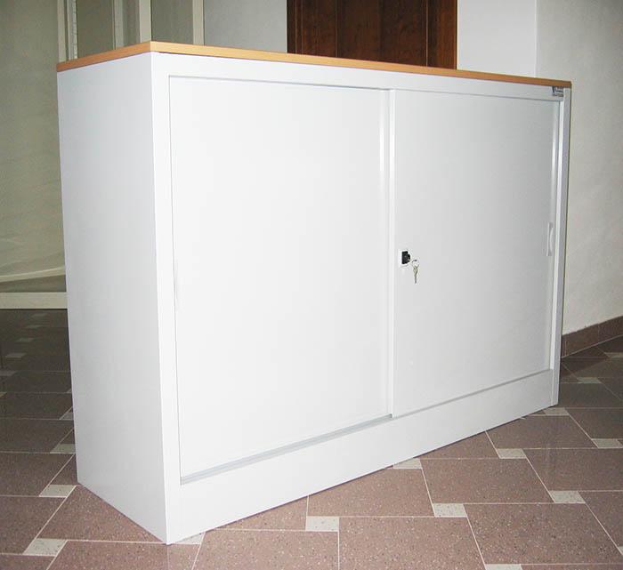 Produzione e vendita armadi in lamiera ante battente o for Vendita mobili ikea usati