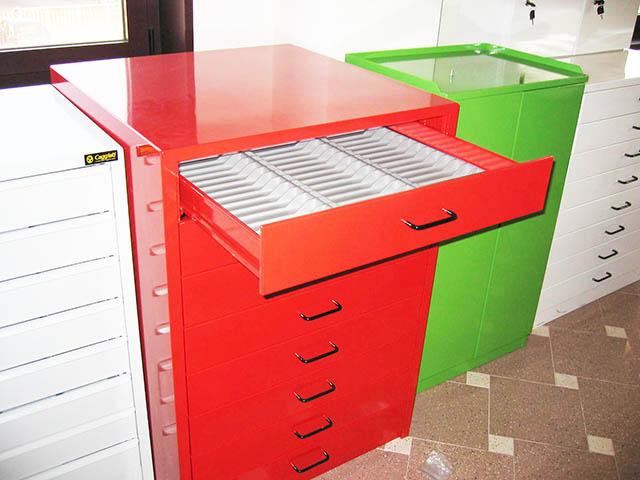 Produzione e vendita cassettiere porta minuterie for Cassettiere usate