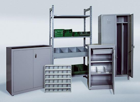 Progettazione produzione e fornitura cassettiere for Arredamento per officina