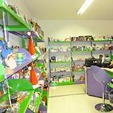 Produzione e vendita scaffalature per negozi scaffali for Scaffali arredo
