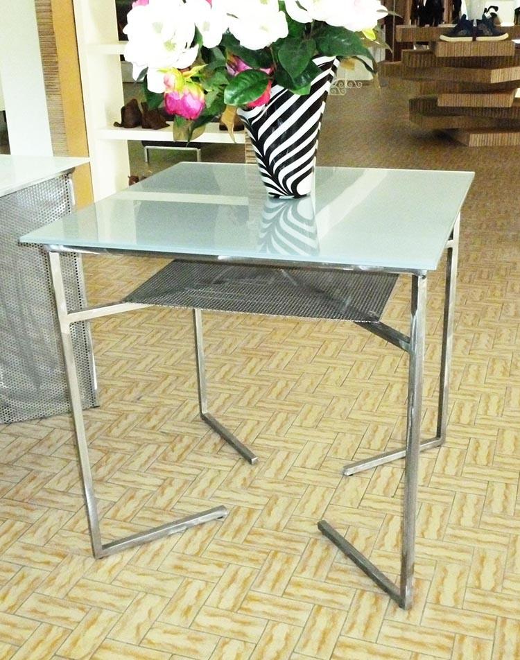 Produzione e vendita tavoli da arredamento e design for Tavolo quadrato grande