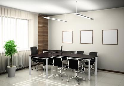 Produzione e fornitura di grandi tavoli per sala riunioni o sala