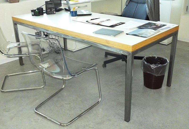 Produzione e vendita scrivanie ergonomiche con cassettiere intubolare per uffici dm carpi modena - Scrivanie legno design ...